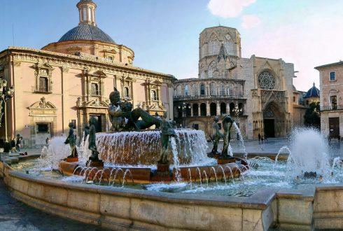 plaza-de-la-virgen-plazas-centrales